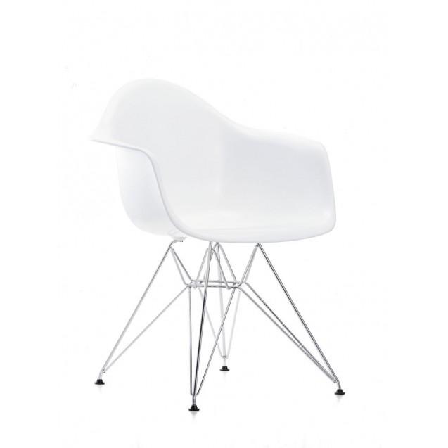 Eames Plastic Armchair DAR